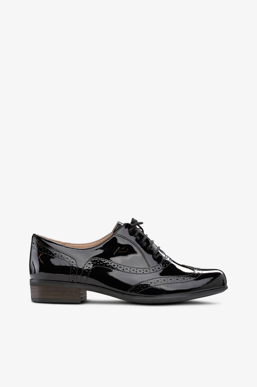 Hamble Oak -kengät, joissa broguekuvio