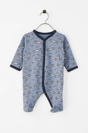 Pyjama, jossa jalkaterät