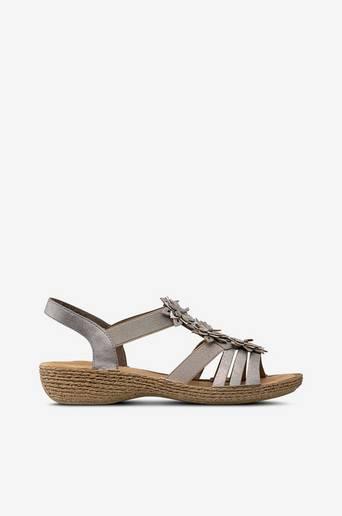 Sandaalit, joissa kukkia