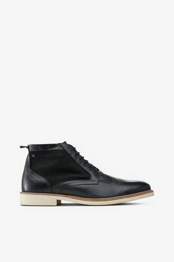 Struck Leather -kengät