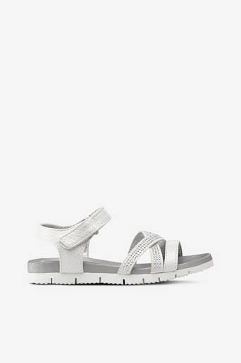 Sandaalit, joissa strasseja