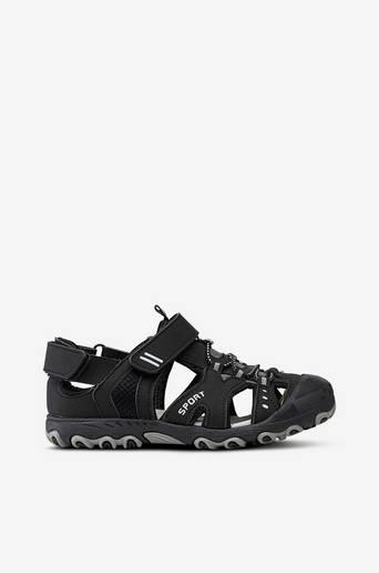 Sandaalit, joissa pikanyöritys