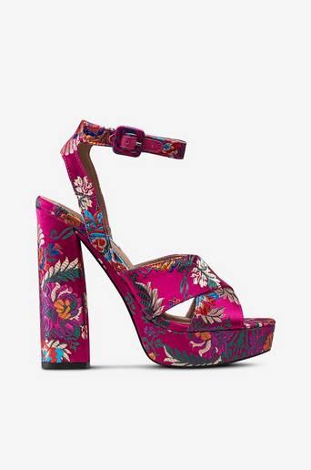Jodi-sandaletit