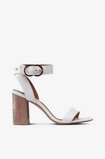 Vallama-sandaletit