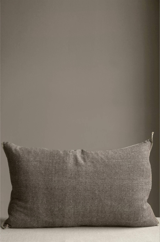 Bliss-tyyny, käsinkudottu ja kasvivärjätty