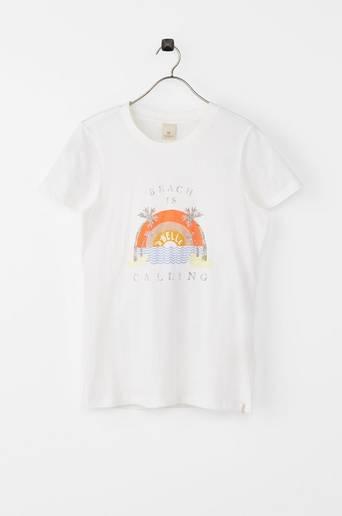 T paita, jossa vintagepainatus.