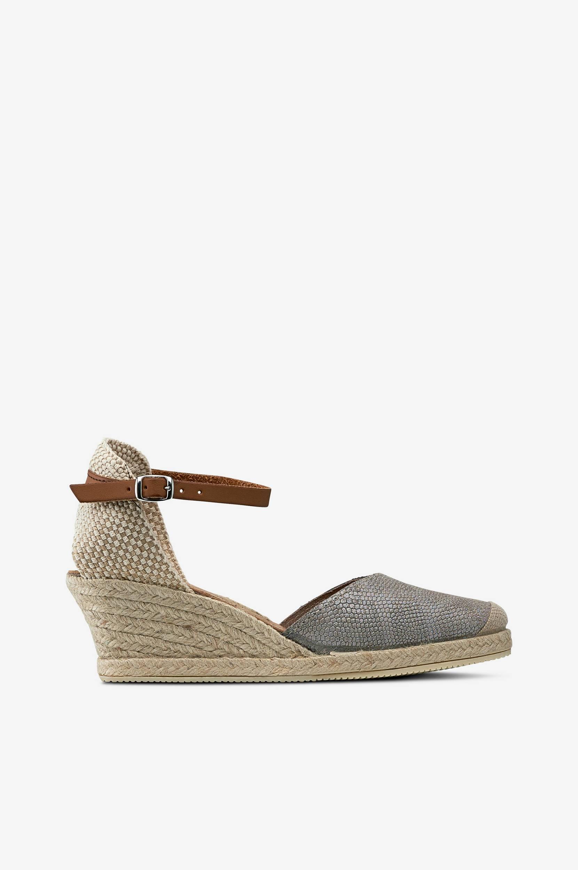 Kiilakantaiset Joan Niquel -sandaletit
