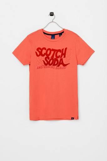 T-paita, jossa samettipainatus