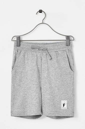 Shortsit, joissa nyöri