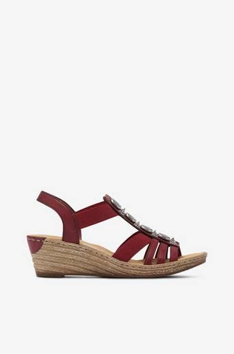 Sandaletit, joissa kiilakorko