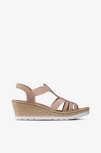Sandaalit, joissa paljetteja