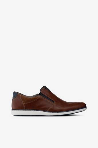 Slip on malliset kengät