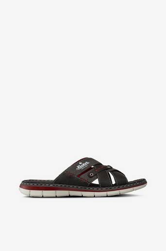 Sandaletit, joissa ristikkäiset remmit