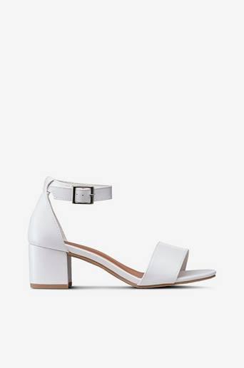 Sandalett med bred klack