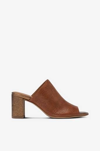 Sandaletit, pistokasmalli