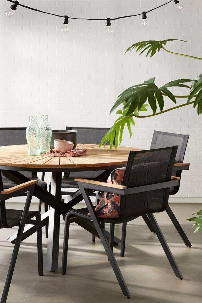 Matgrupp Sunnanäng 6 stolar och runt bord