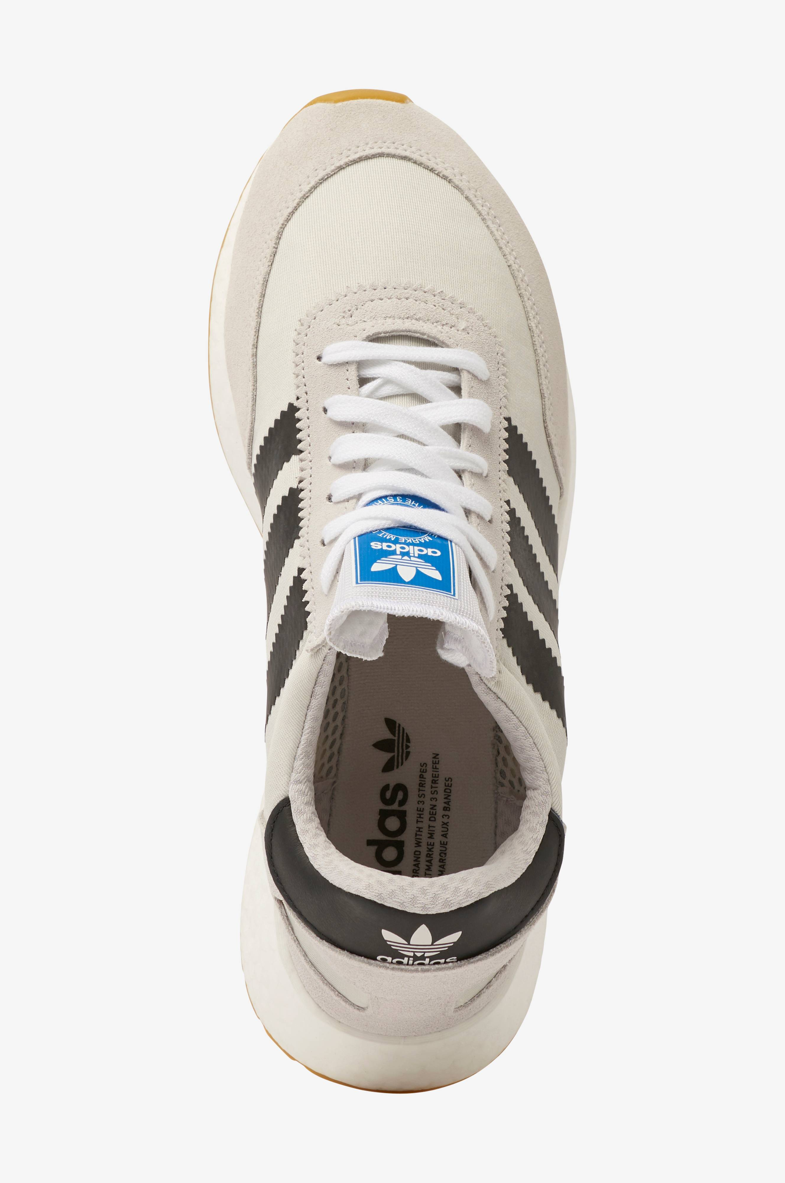 Sneakers I 5923