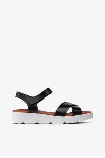 Sandaalit Tatu