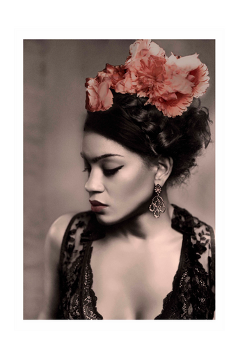 Juliste Woman of color - Frida with flower crown print