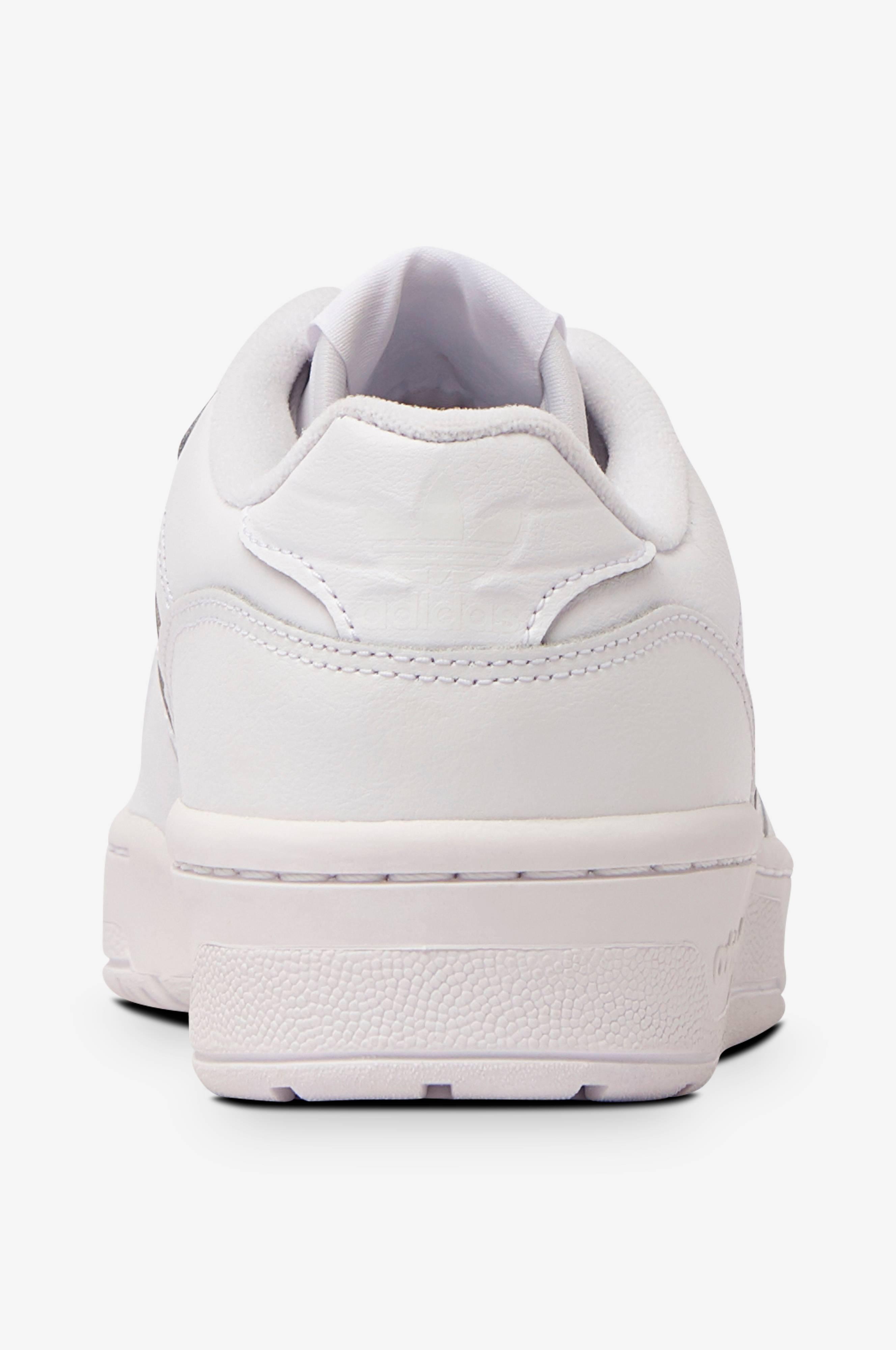 Sneakers Rivalry Low W