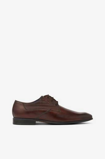 Matalakantaiset kengät Matta II