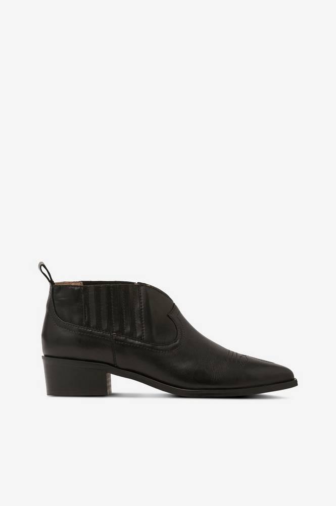 Shoe Biz Boots Sun Velvet