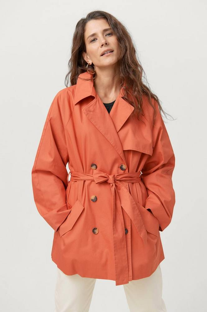 Soaked in Luxury Trenchcoat slChicago Short