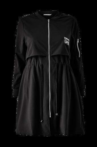 Nyörillinen takki