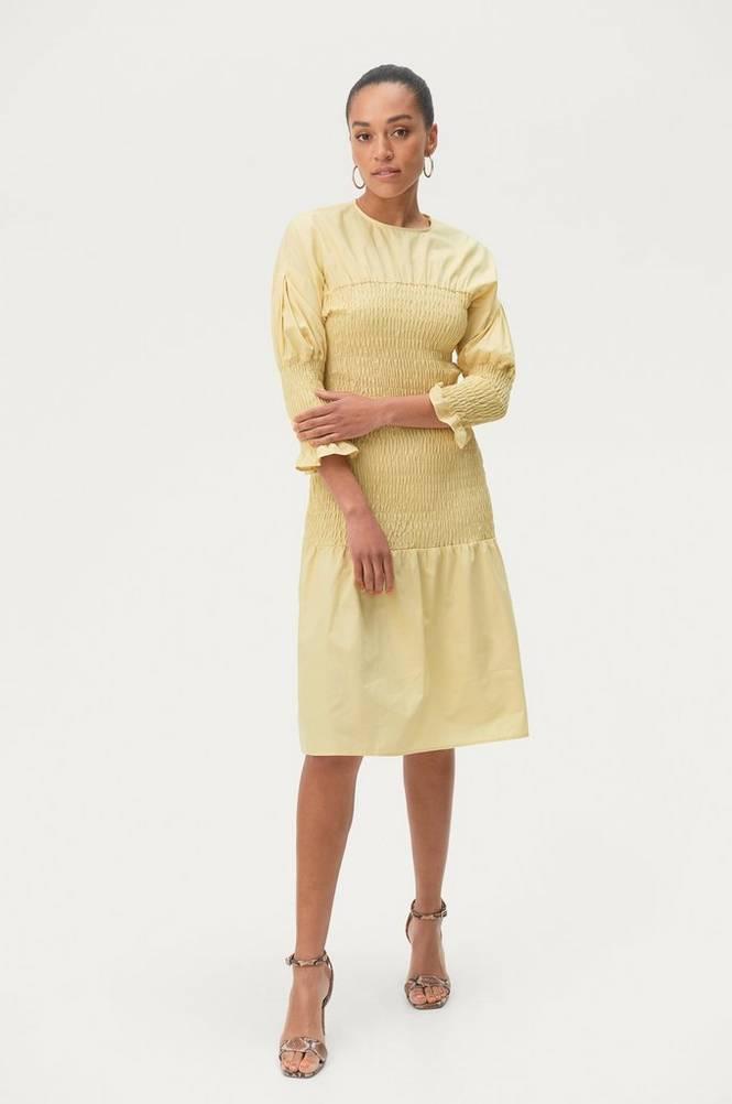 Se Gina Tricot Kjole Magdalena Smock Dress ved Ellos