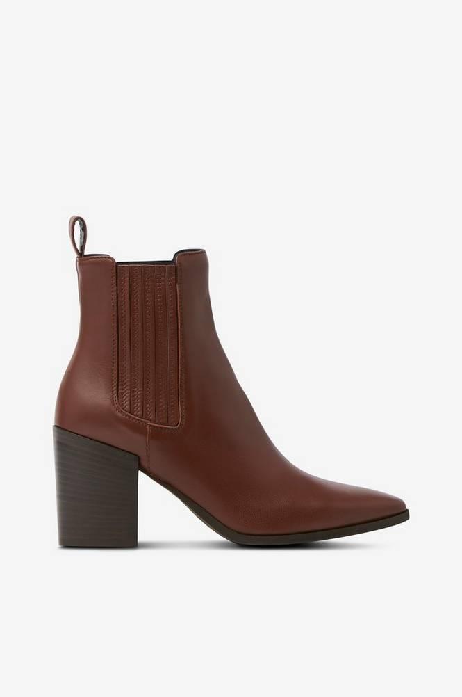 Apair Boots