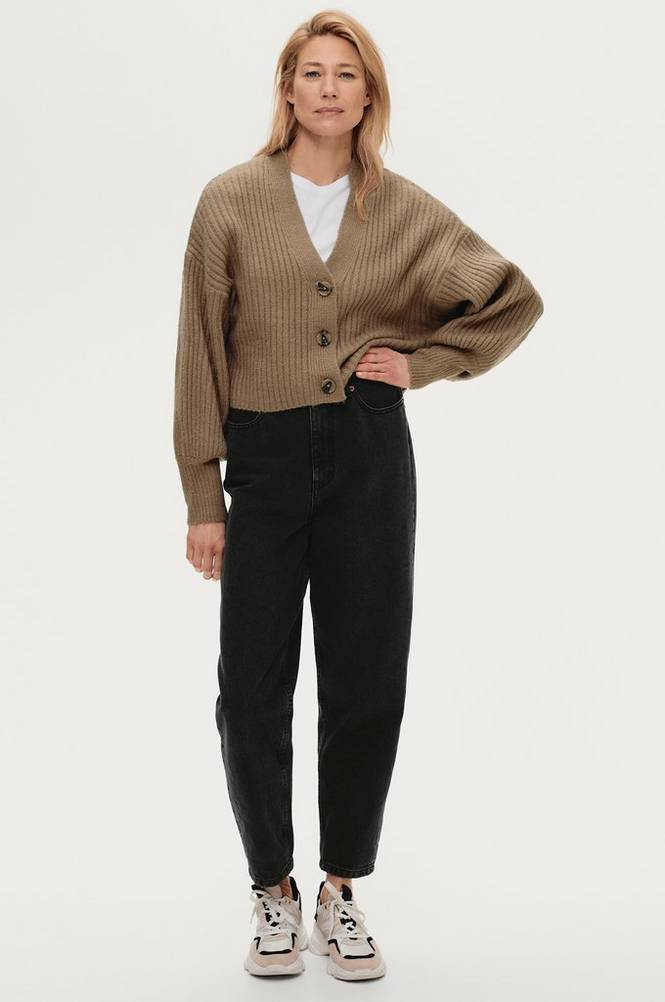 Se Gina Tricot Cardigan Rosie Knitted ved Ellos
