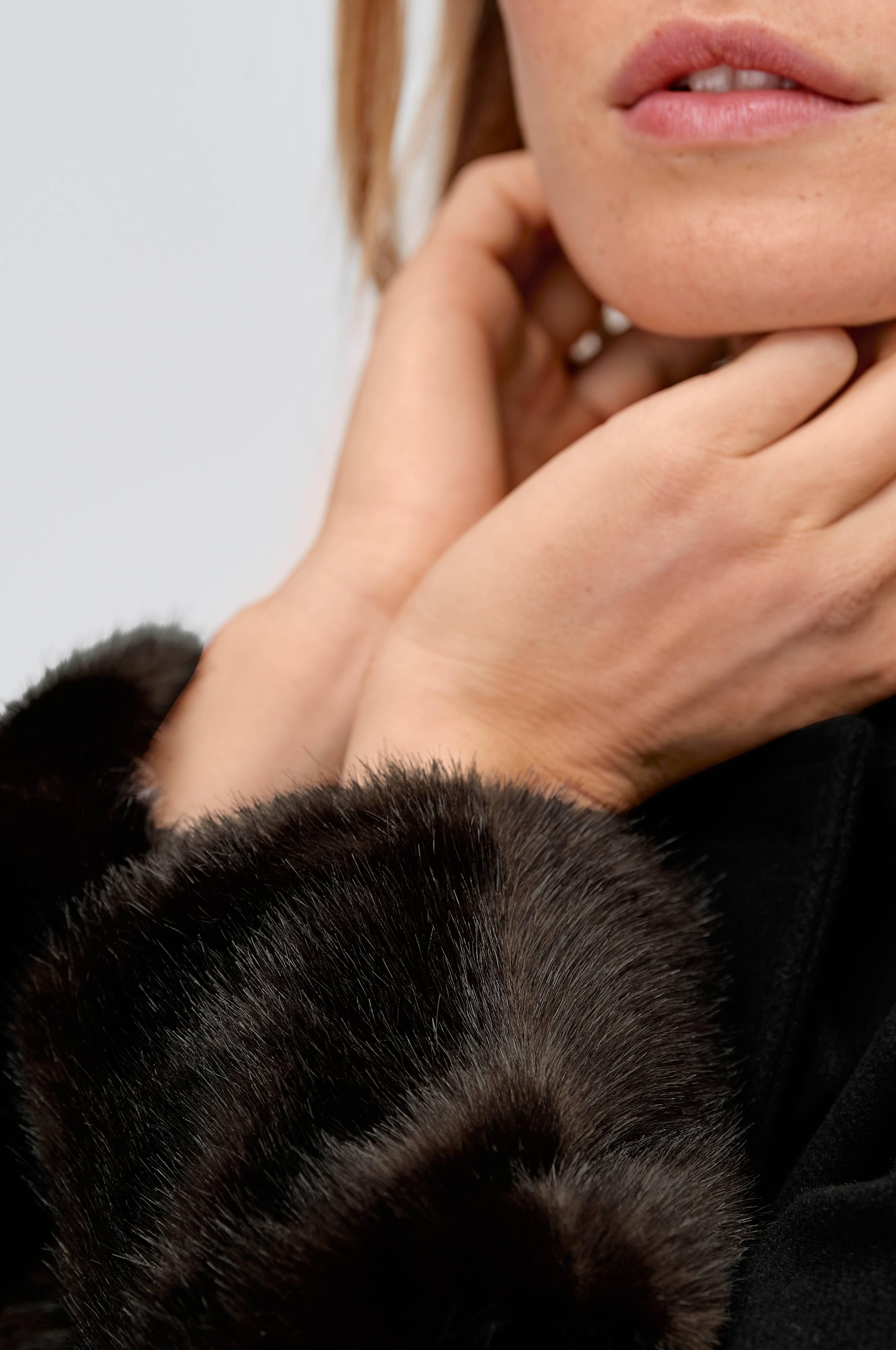 Ellos Collection Kåpe Malva Fur Sleeve Svart Kåper