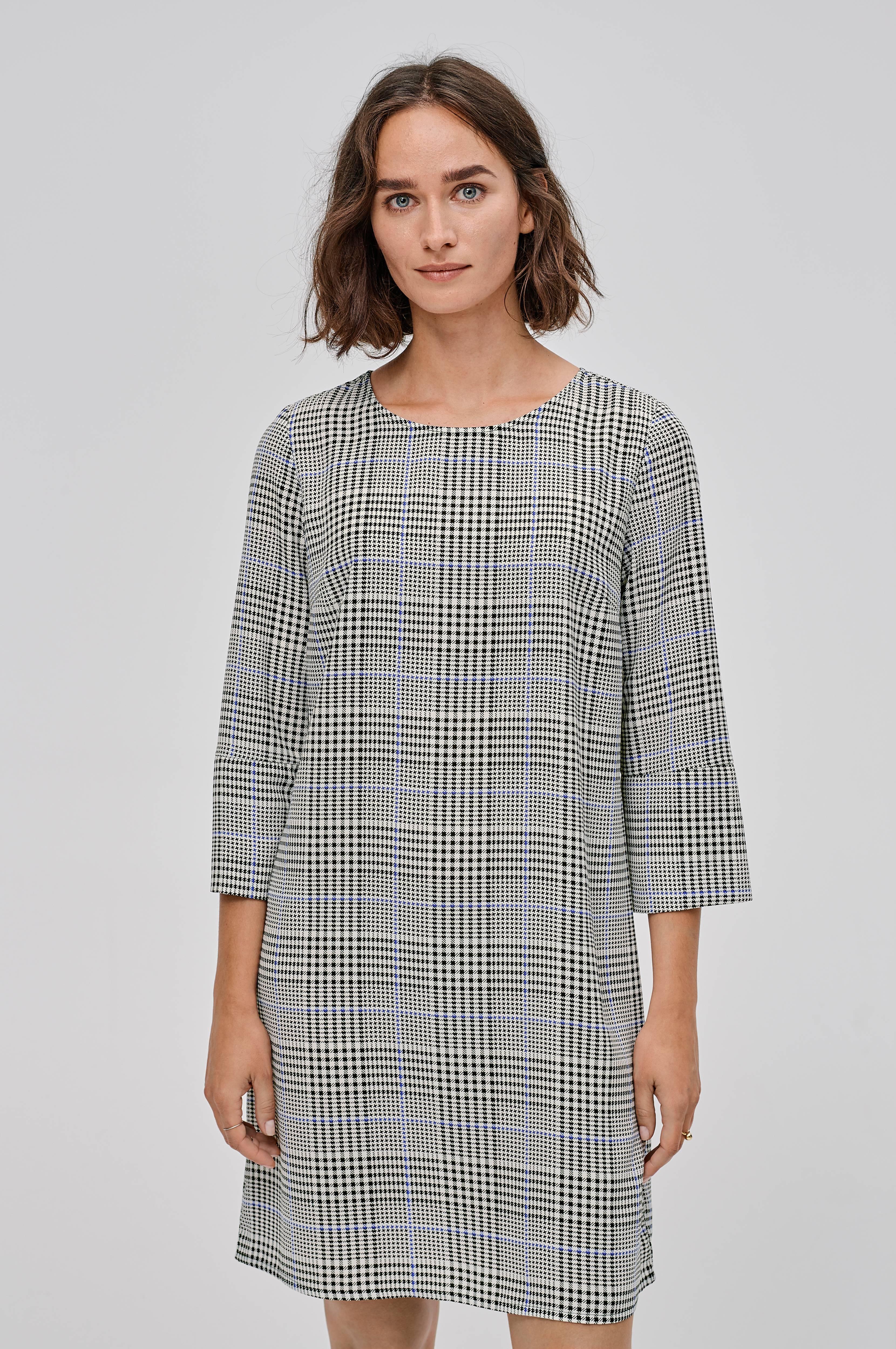 grå rutig klänning