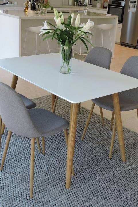 NORDFORM Matgrupp Espolla bord och 4 Polar stolar Grå