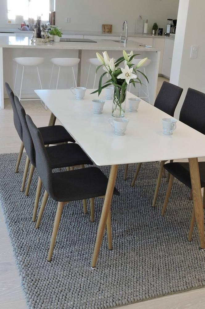 Matgrupp med Polarbord och 6 st Windu stolar