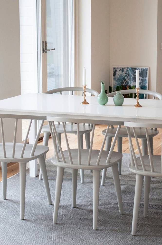 Backagård Bord med 6st Bullerbyn stolar