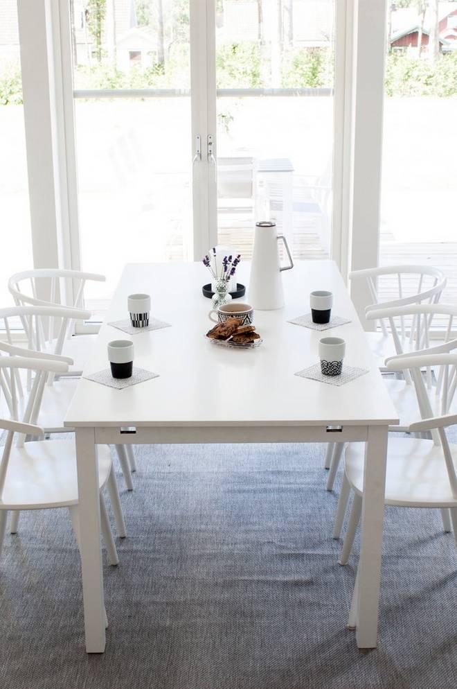 Bilde av Backagård Bord med 6 stk Bullerbyn stoler