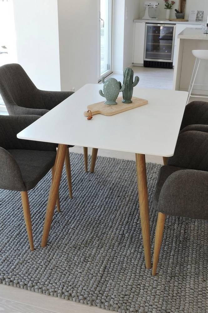 Matgrupp med Polarbord och 4 st Comfort stolar