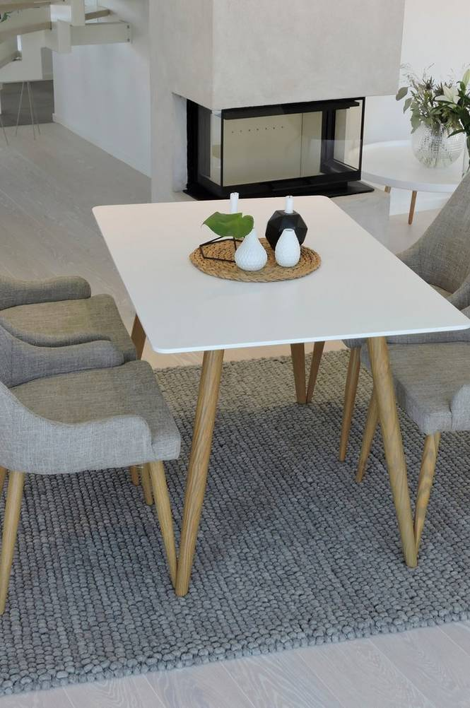 Matgrupp med Polarbord och 4 st Plaza stolar