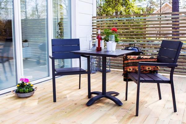 Bilde av Colorado Sett bord + stoler - Svart