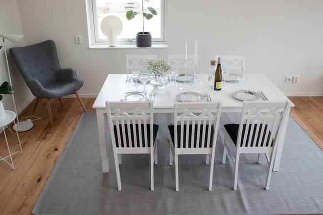Bilde av Beatrice bord (Extention) 180 + Rödje stol (6-pk)