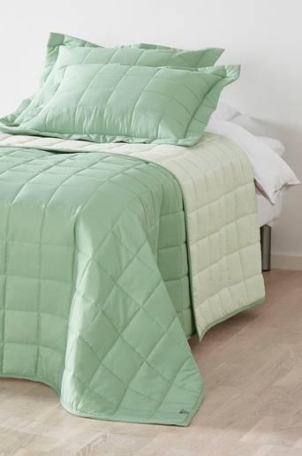 MATILDA-päiväpeite kapeaan sänkyyn 150x250 cm Vihreä/luonnonvalkoinen