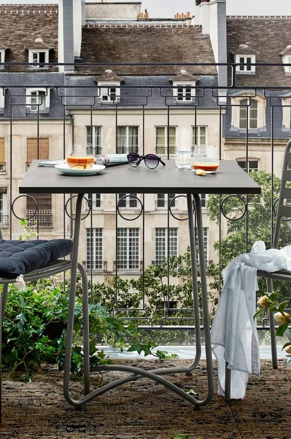 Bilde av ANTIBES bord 74x74 cm - Kakigrønn