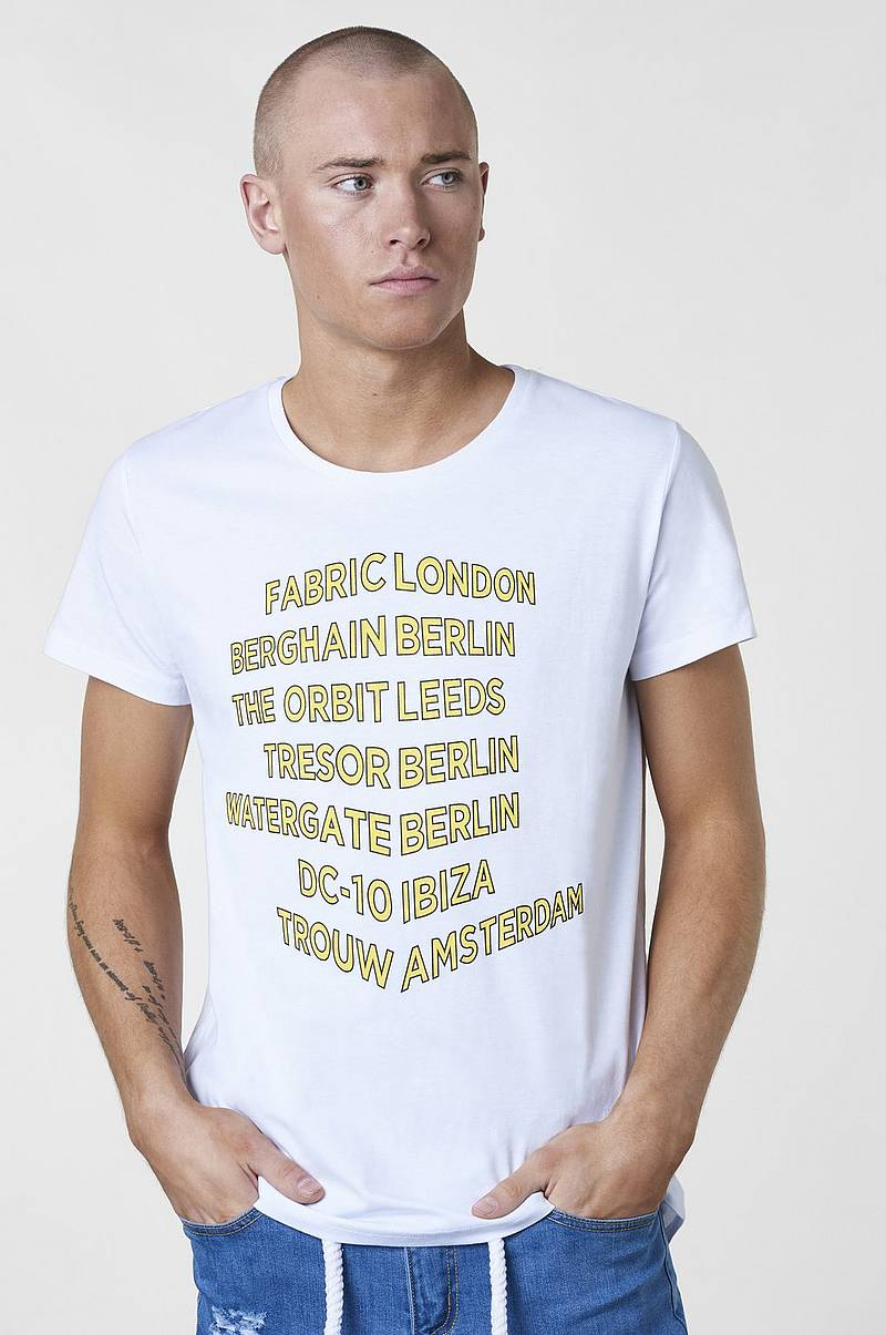 T-Shirt Bucketlist Tee