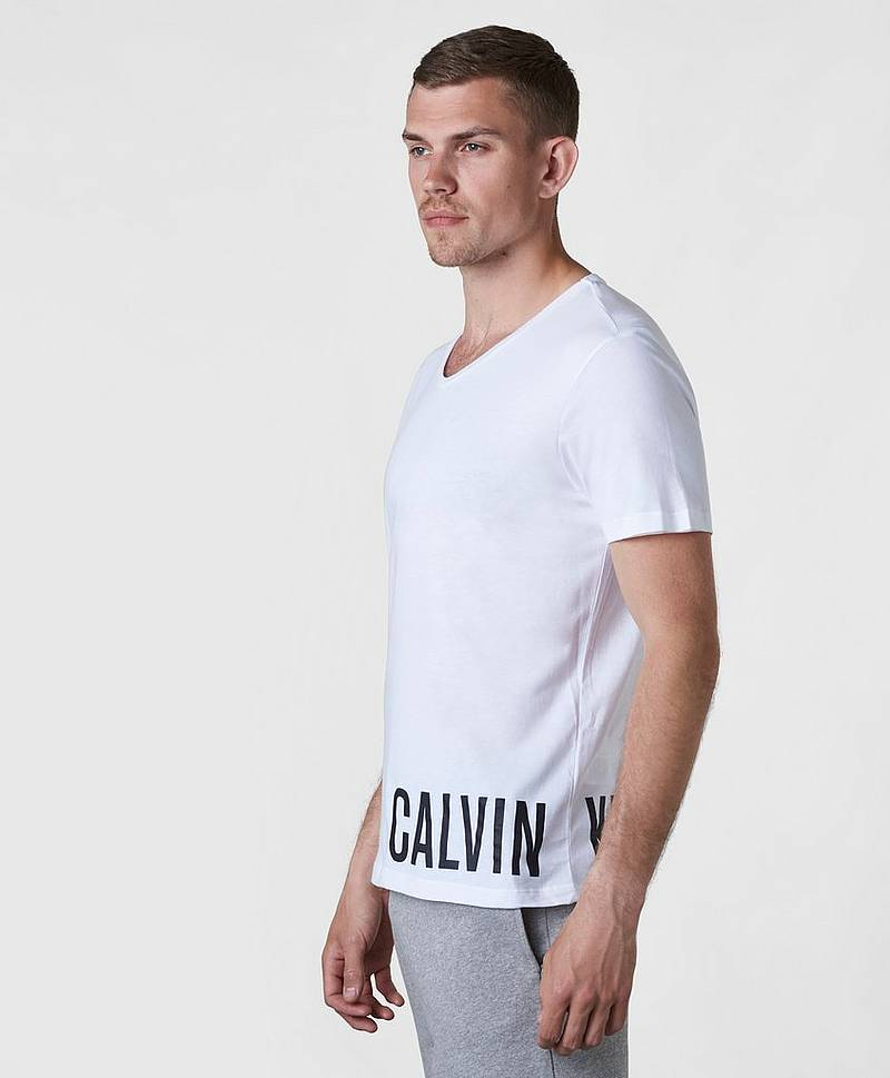 Intense Power Rounded V-neck Tee