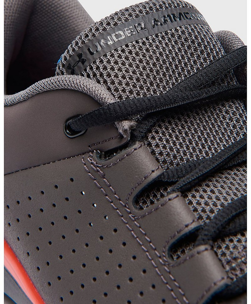 Sneakers UA Strive 7 NM