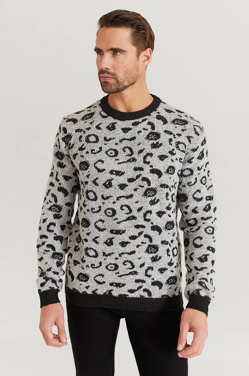 Chris Jaquard Leo Knit