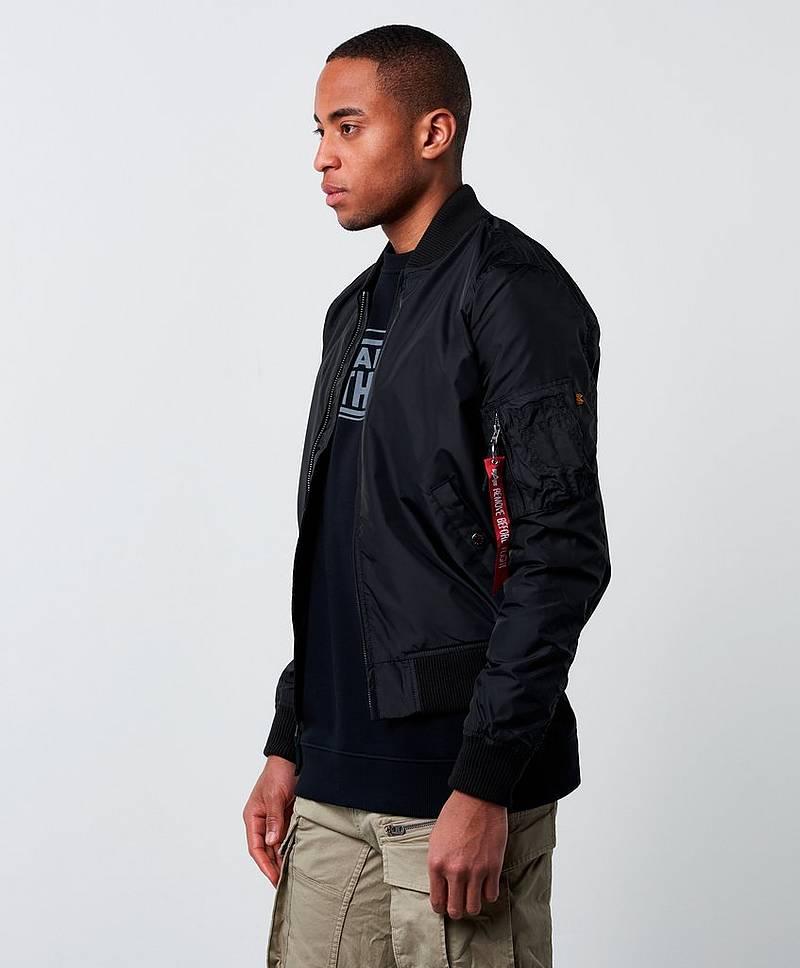 Alpha Industries | Kjøp stilige klær til herre på nett