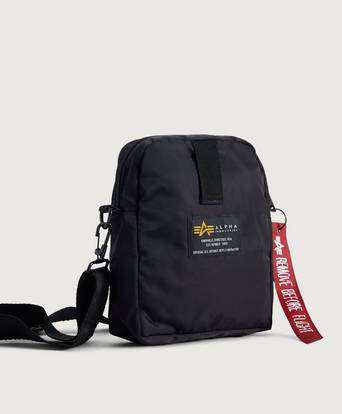 Alpha Industries VÄSKA Crew Carry Bag Svart