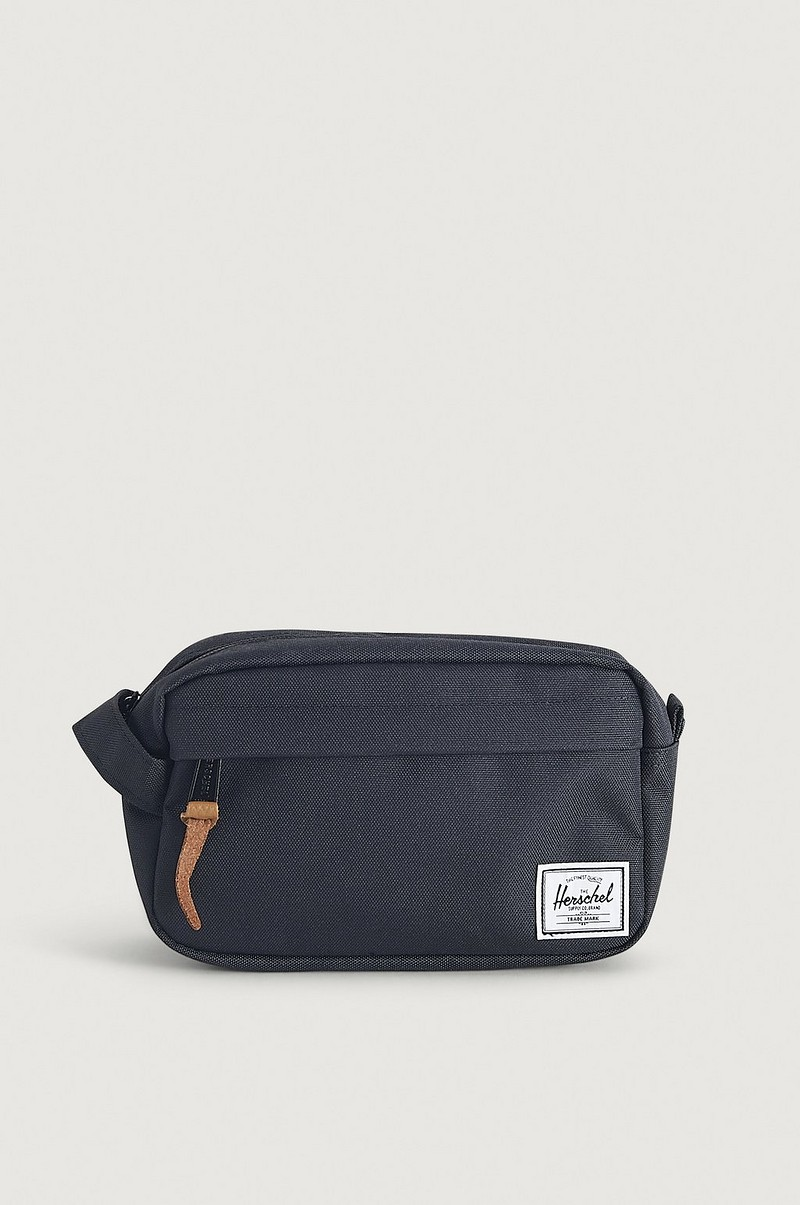 Toalettmappe Chapter Carry On-Black